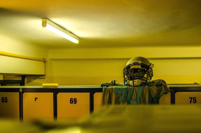 american-football-blur-changing-room-271741.jpg