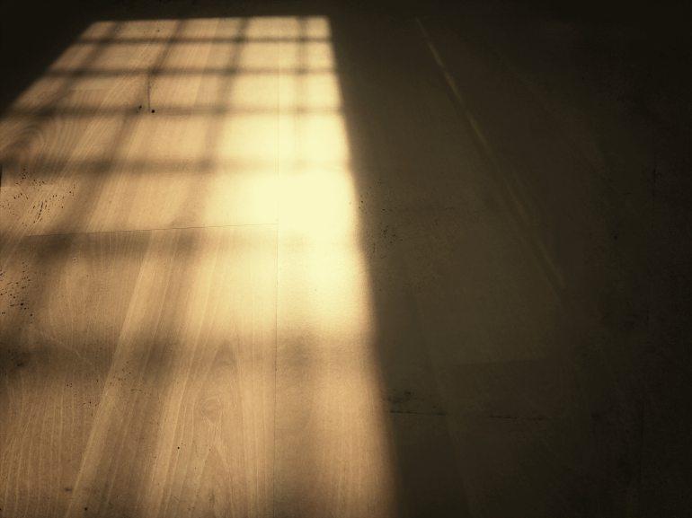 floor-shadow-softwood-576469.jpg